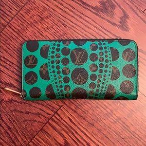 Auth Louis Vuitton Kusama Green Clutch Wallet!